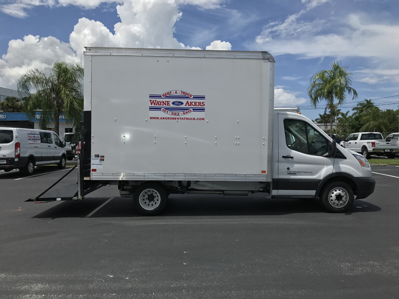 Rental Trucks For Moving >> 12' Box Truck With Lift Gate - Akers Truck Rental